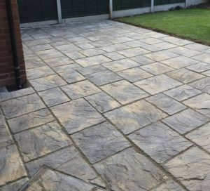 New paved patio by Driveways Solihull West Midlands